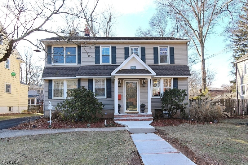 Single Family Home for Sale at 117 Russell Road Fanwood, New Jersey 07023 United States