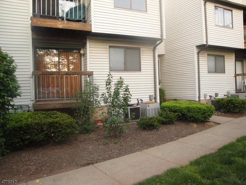 Частный односемейный дом для того Аренда на 3710 Royce Court Hillsborough, Нью-Джерси 08844 Соединенные Штаты
