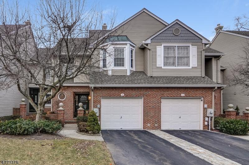 Casa Unifamiliar por un Venta en 14 Kent Dr, Roseland, Nueva Jersey 07068 Estados Unidos