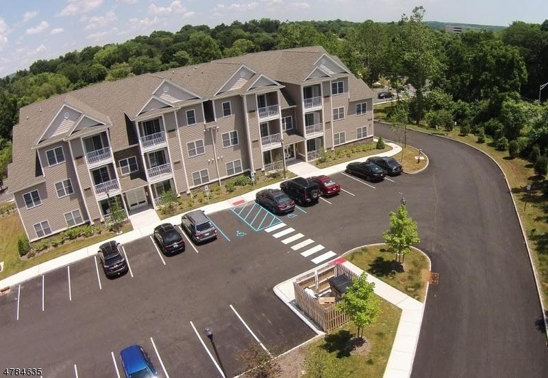 Частный односемейный дом для того Аренда на 46 Park Drive Clinton, Нью-Джерси 08809 Соединенные Штаты