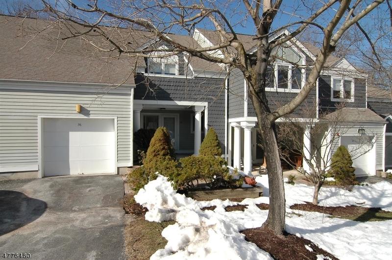Частный односемейный дом для того Продажа на 56 Manor Sq Sparta, Нью-Джерси 07871 Соединенные Штаты