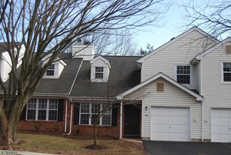 Maison unifamiliale pour l à louer à 192 Dickens Court Franklin, New Jersey 08873 États-Unis