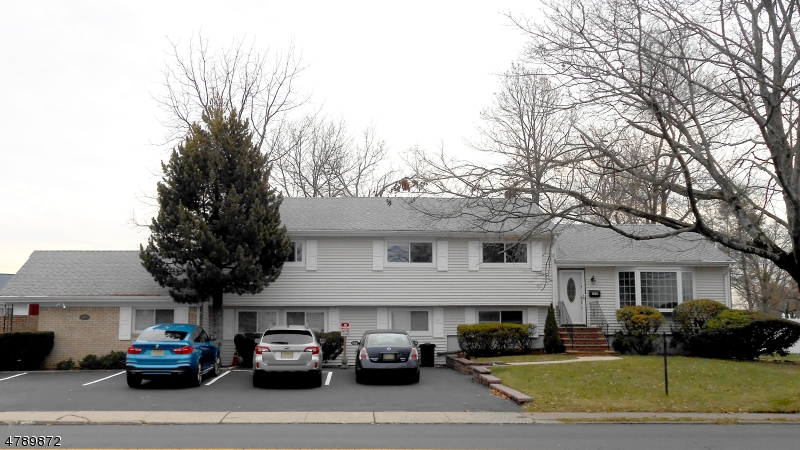 Single Family Home for Sale at 605 Washington Avenue Dumont, New Jersey 07628 United States