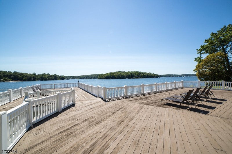 Additional photo for property listing at 45 Raccoon Island Road  Jefferson Township, 新泽西州 07849 美国