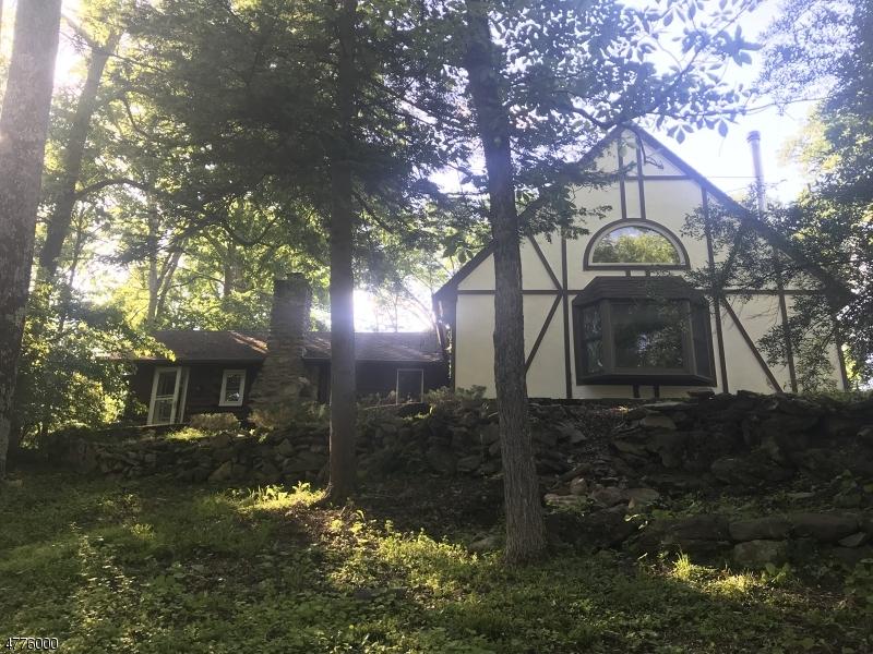 独户住宅 为 销售 在 927 Cedar Drive Stillwater, 新泽西州 07860 美国