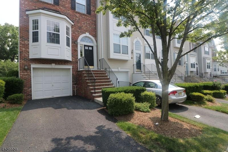 Кондо / дом для того Аренда на 555 COVENTRY Drive Nutley, Нью-Джерси 07110 Соединенные Штаты