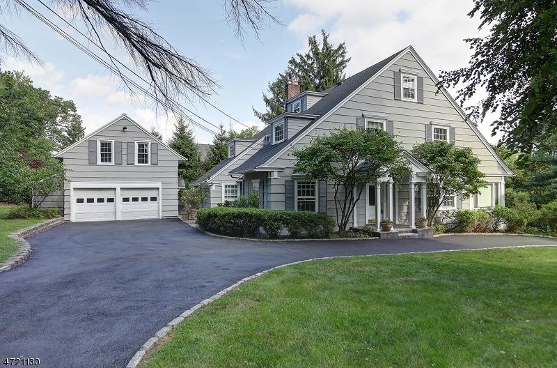 Maison unifamiliale pour l à louer à 39 HEMLOCK Road Millburn, New Jersey 07078 États-Unis