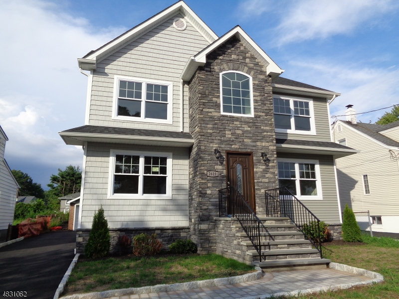 Single Family Home for Sale at 2619 Hawthorne Avenue Union, New Jersey 07083 United States