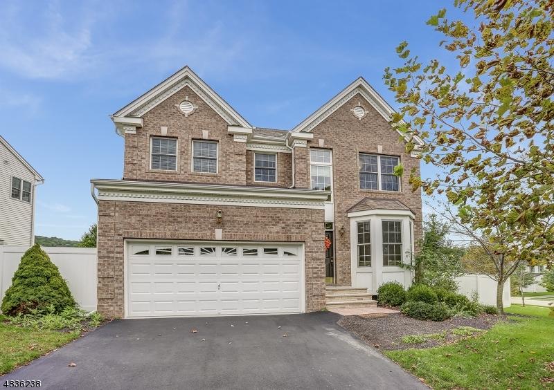 Property pour l Vente à 3 HELMS MILL Road Hackettstown, New Jersey 07840 États-Unis