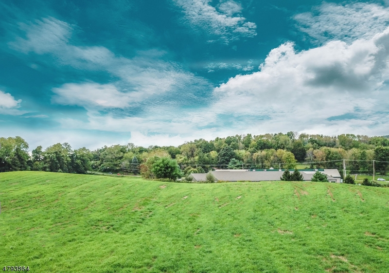 Additional photo for property listing at 3610 State Route 94 3610 State Route 94 Hardyston, New Jersey 07419 United States