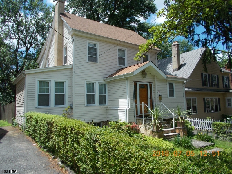 Single Family Home for Sale at 33 CAMBRIDGE Road Verona, New Jersey 07044 United States