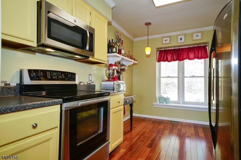 Property voor Verkoop op 13 QUAIL RUN Allamuchy, New Jersey 07840 Verenigde Staten