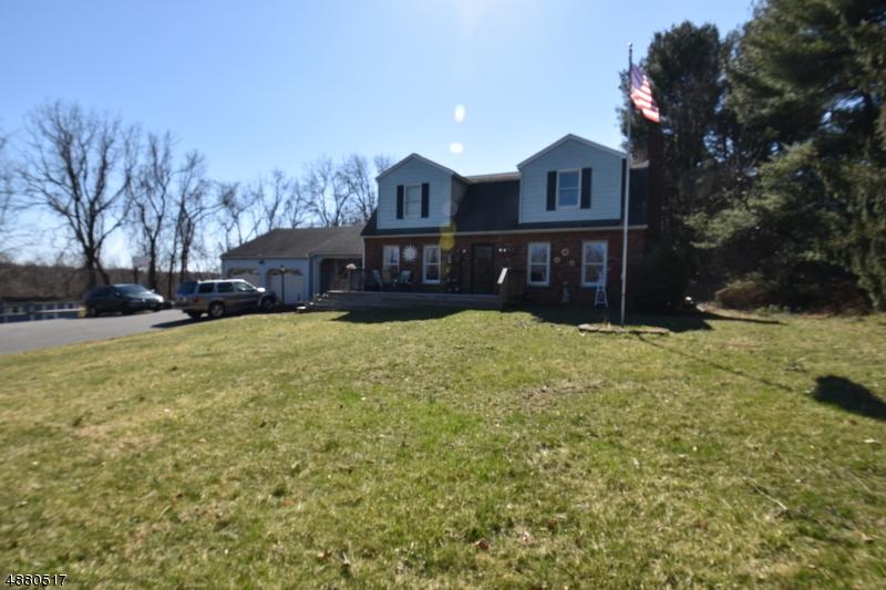 Maison unifamiliale pour l Vente à 609 LITTLE YORK-MT PLEAS Holland Township, New Jersey 08848 États-Unis
