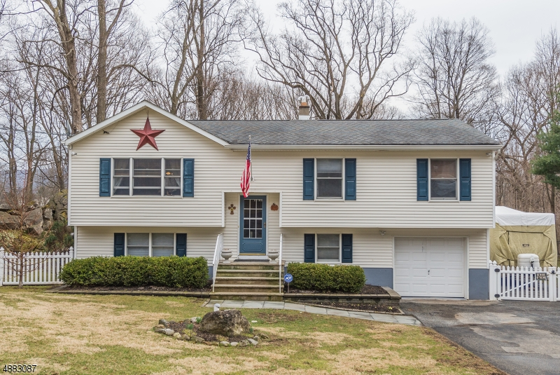 Property for Sale at 13 DORCHESTER Drive Vernon, New Jersey 07461 United States