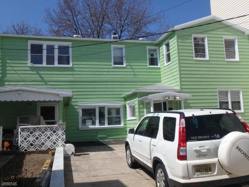 Villa per Vendita alle ore 147 PROSPECT Avenue Bayonne, New Jersey 07002 Stati Uniti