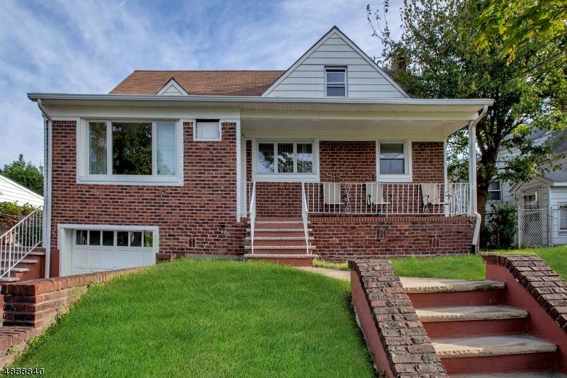 Maison unifamiliale pour l Vente à 9 TRUDY Drive Lodi, New Jersey 07644 États-Unis