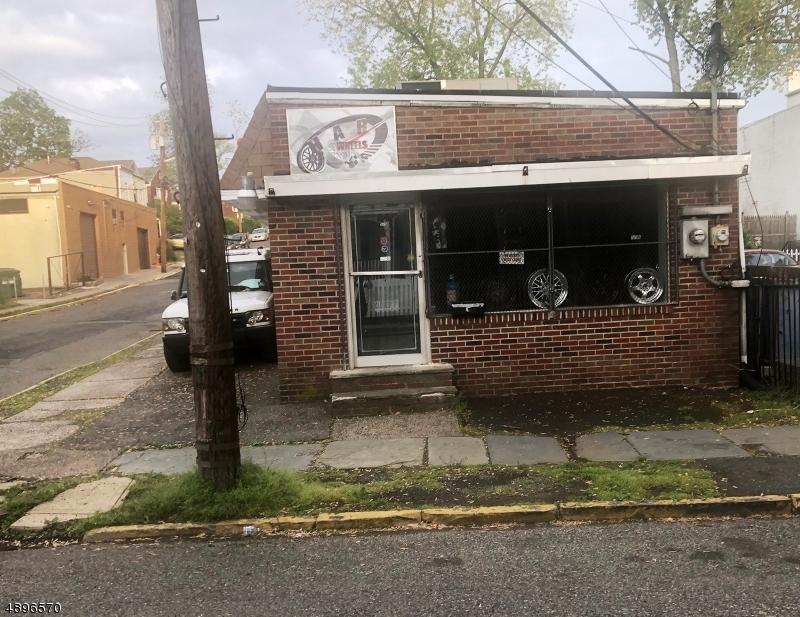 Commercial pour l Vente à Orange, New Jersey 07050 États-Unis
