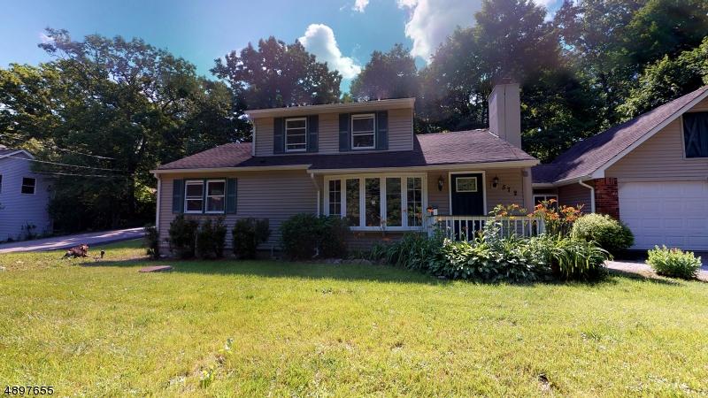 Single Family Homes per Vendita alle ore West Milford, New Jersey 07480 Stati Uniti