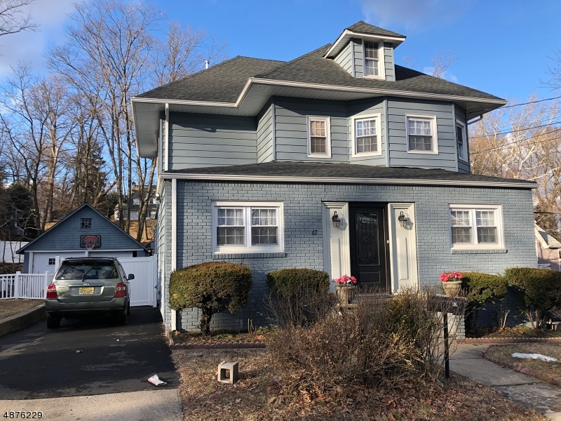 Single Family Homes pour l Vente à Address Not Available Haledon, New Jersey 07508 États-Unis