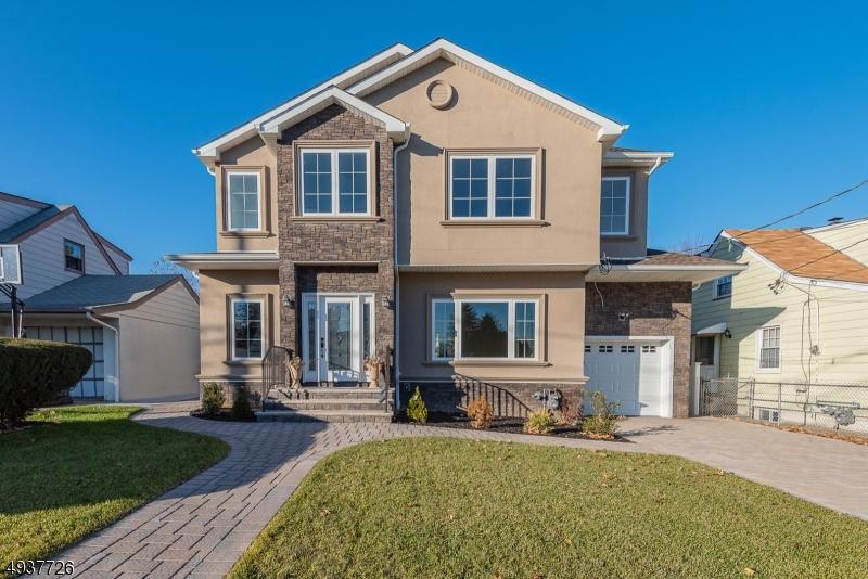 Single Family Homes für Verkauf beim Clifton, New Jersey 07011 Vereinigte Staaten