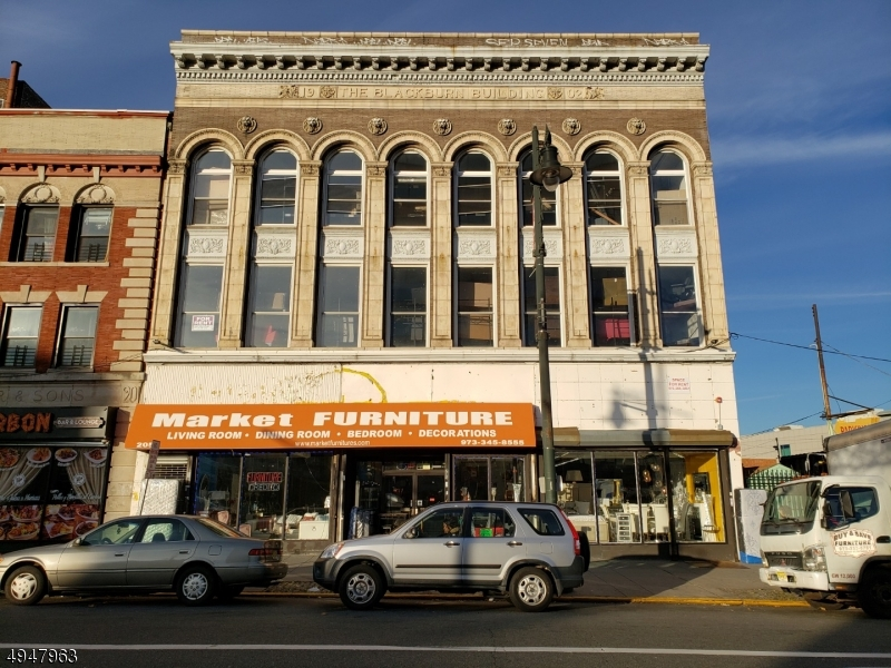 Commercial pour l à louer à Paterson, New Jersey 07505 États-Unis