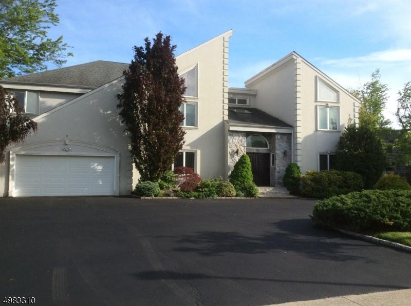 Single Family Homes per Vendita alle ore Springfield, New Jersey 07081 Stati Uniti