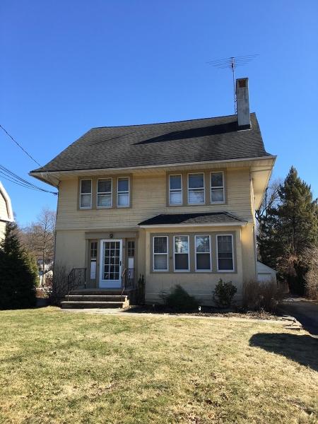 Multi-Family Homes für Verkauf beim Caldwell, New Jersey 07006 Vereinigte Staaten
