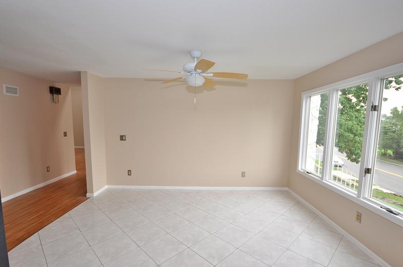 Additional photo for property listing at 28 Kiwanis Drive  Wayne, Нью-Джерси 07470 Соединенные Штаты