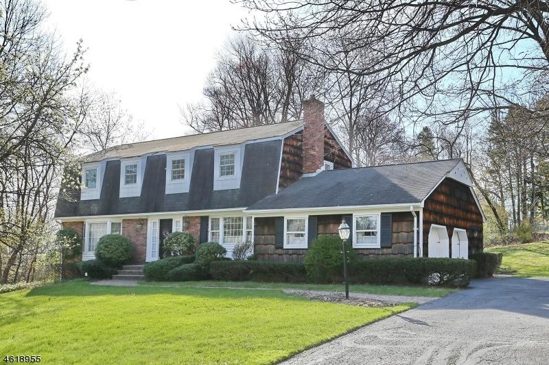 独户住宅 为 销售 在 83 Cider Mill Road 霍桑, 07506 美国