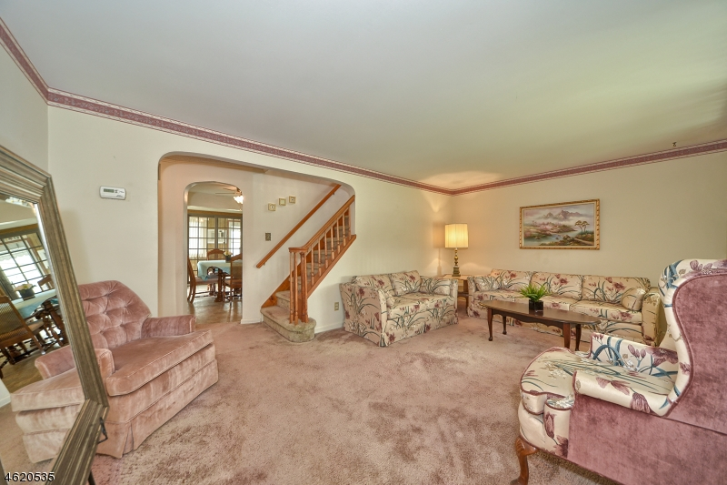 Additional photo for property listing at 116 Huron Avenue  Clifton, New Jersey 07013 États-Unis