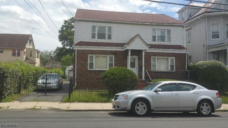 Maison avec plusieurs logements pour l Vente à Address Not Available Paterson, New Jersey 07504 États-Unis