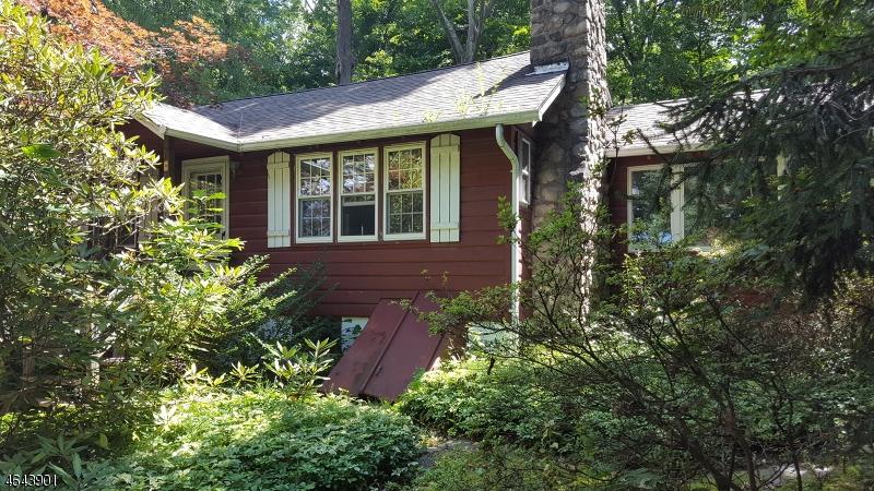 独户住宅 为 销售 在 1078 Lakeside Dr E Highland Lakes, 新泽西州 07422 美国