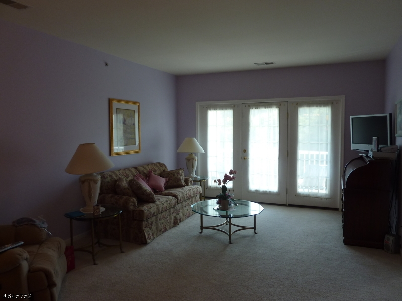 Additional photo for property listing at 1015 Brookfield Glen Drive  Belvidere, New Jersey 07823 United States