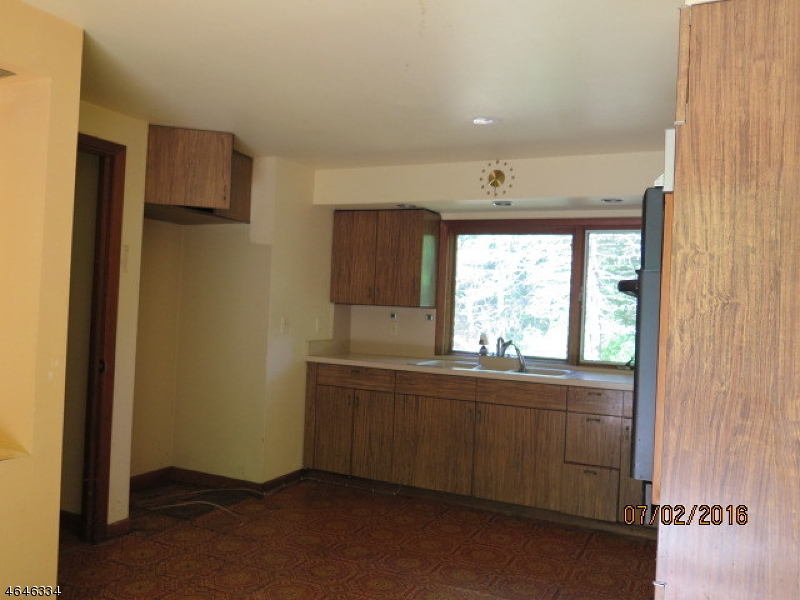 Additional photo for property listing at 189 Park Street  Somerset, Нью-Джерси 08873 Соединенные Штаты