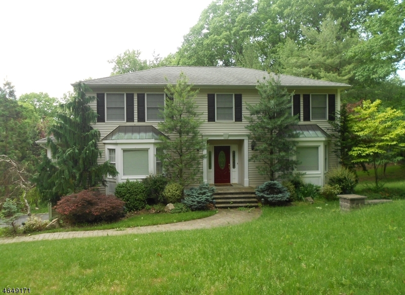 Single Family Home for Sale at 14 HEATHER Lane Morristown, New Jersey 07960 United States