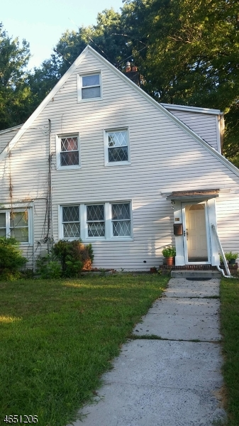 Additional photo for property listing at 132 W 4th Avenue  Roselle, New Jersey 07203 États-Unis