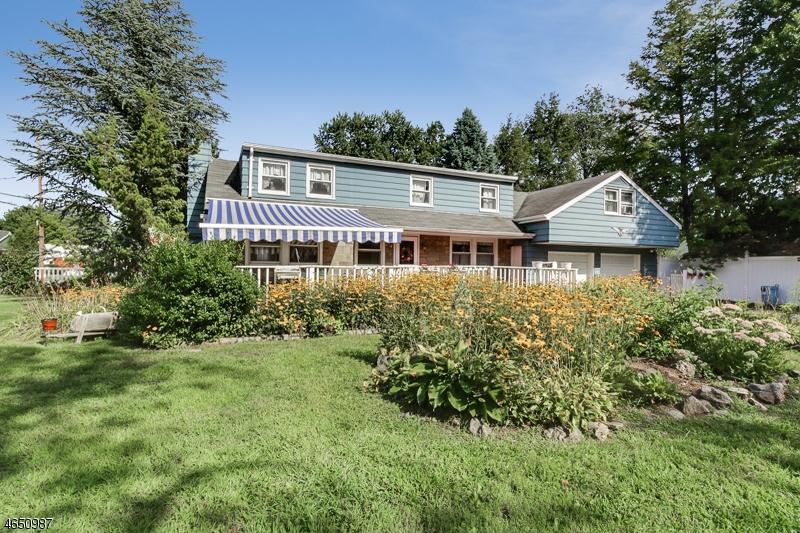 Частный односемейный дом для того Продажа на 17 Jacksonville Road Pequannock, 07440 Соединенные Штаты