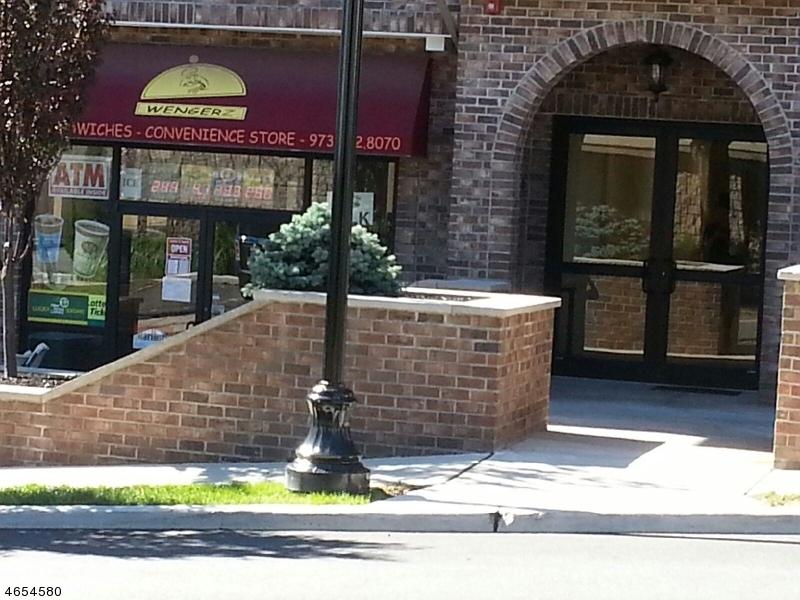 Comercial por un Venta en 57 E Centre Street Nutley, Nueva Jersey 07110 Estados Unidos