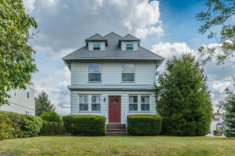 Single Family Home for Sale at 417 Center Street Garwood, New Jersey 07027 United States