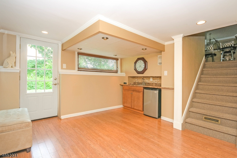 Additional photo for property listing at 40 Carol Place  Wayne, New Jersey 07470 United States