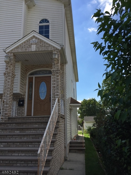 Additional photo for property listing at 205 Adams Street  Linden, Нью-Джерси 07036 Соединенные Штаты