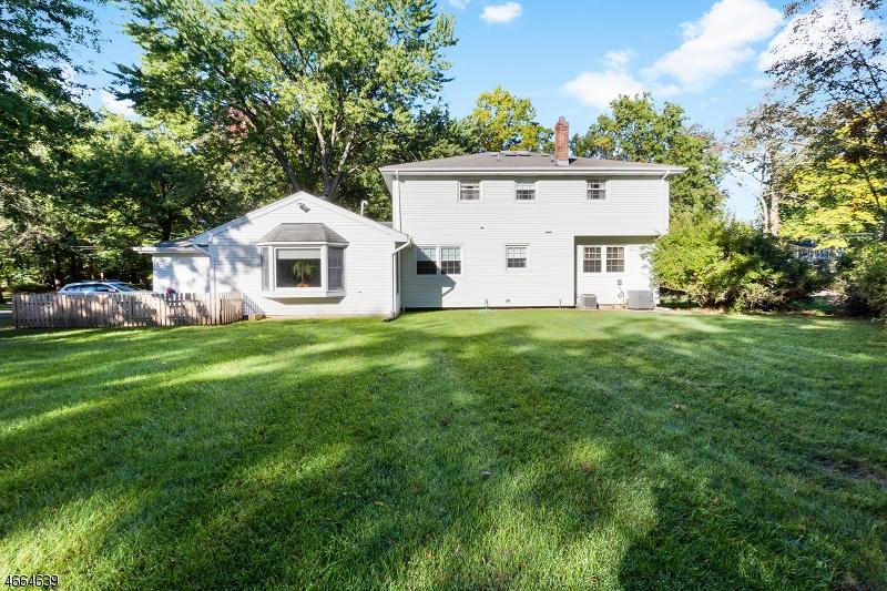 Additional photo for property listing at 172 Wayfair Circle  Wyckoff, Нью-Джерси 07481 Соединенные Штаты