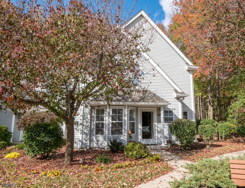 Maison unifamiliale pour l Vente à 1604 Hazelton Drive Pompton Plains, New Jersey 07444 États-Unis