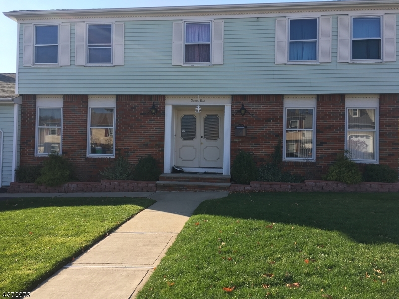 Single Family Home for Sale at 21 Tomar Court Bloomfield, 07003 United States
