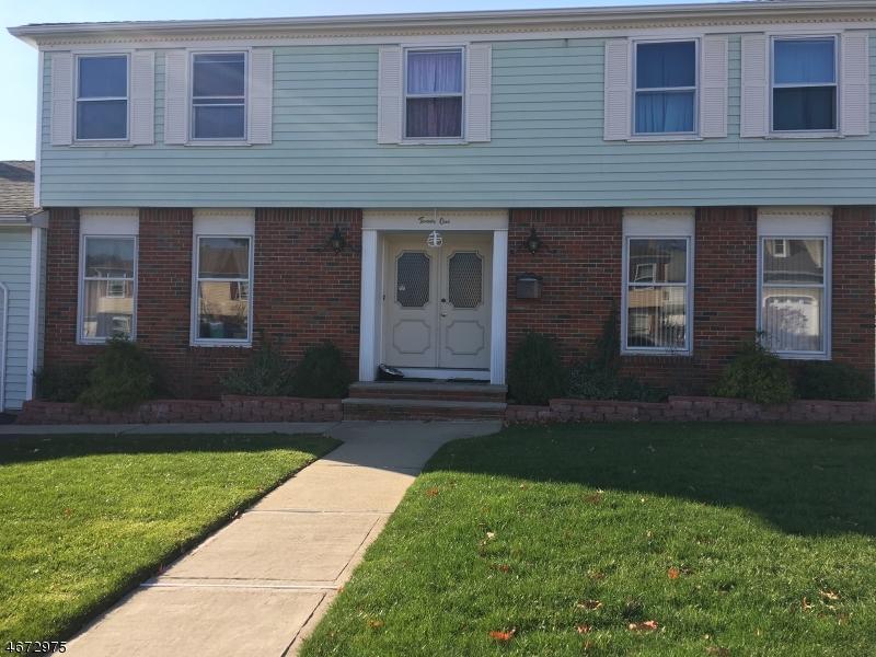 独户住宅 为 销售 在 21 Tomar Court 布鲁姆菲尔德, 07003 美国