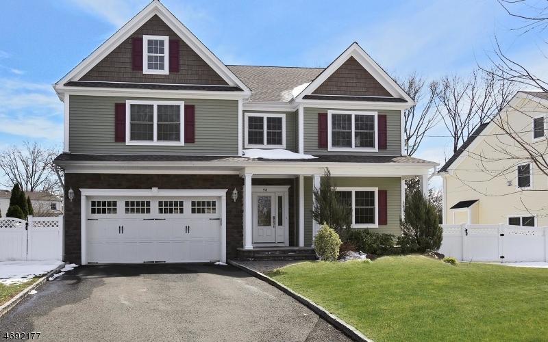 Частный односемейный дом для того Продажа на 98 Woodruff Road Fanwood, 07023 Соединенные Штаты