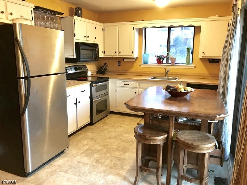 独户住宅 为 出租 在 7130 DELL Place 斯坦霍普, 新泽西州 07874 美国