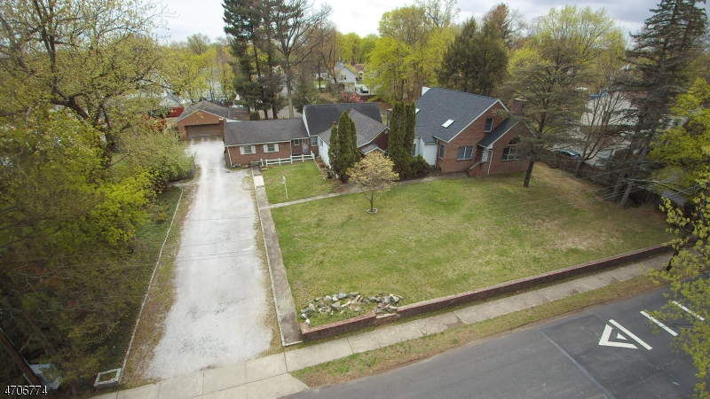 Single Family Home for Sale at 7 Tilley Avenue Pequannock, 07444 United States