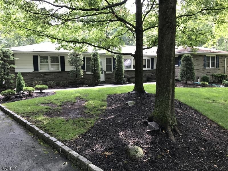 独户住宅 为 出租 在 12 Longview Road 爱迪生, 新泽西州 08820 美国