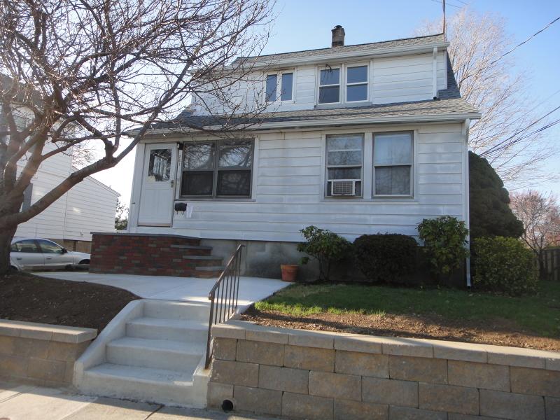 Частный односемейный дом для того Аренда на 73 Central Avenue Hawthorne, Нью-Джерси 07506 Соединенные Штаты